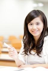 資格取得を目指す女性のイメージ写真